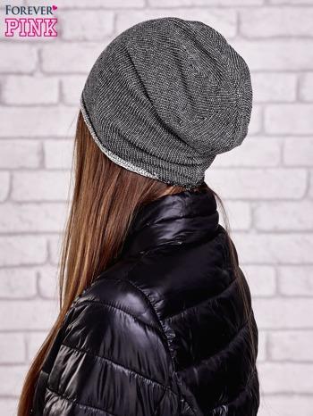 Czarna czapka z surowym wykończeniem                                  zdj.                                  2