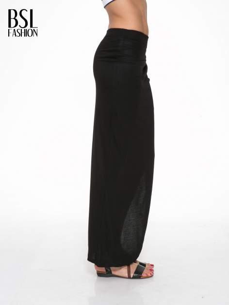 Czarna długa spódnica maxi z rozporkiem z boku                                  zdj.                                  3