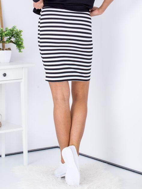 Czarna dopasowana spódnica w paski                                  zdj.                                  2