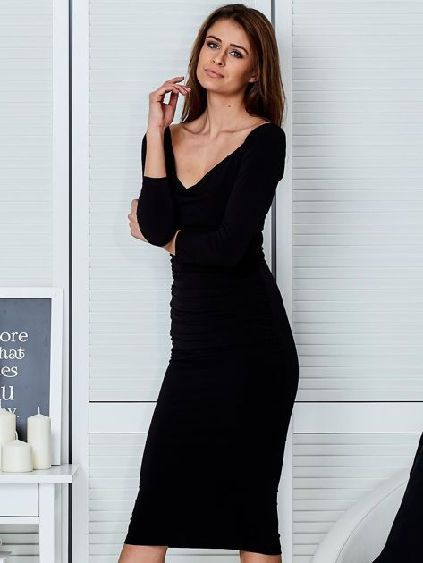 Czarna dopasowana sukienka                                   zdj.                                  3