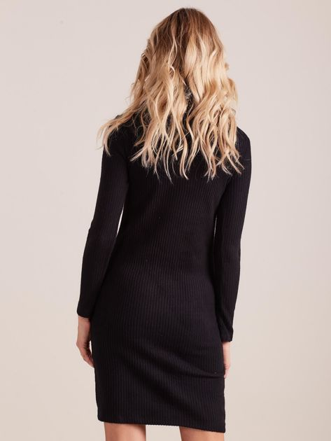 Czarna dopasowana sukienka dzianinowa w prążek z golfem                              zdj.                              3