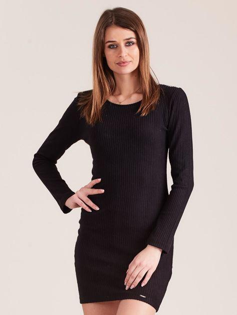 Czarna dopasowana sukienka w prążki z ozdobnym tyłem                              zdj.                              1