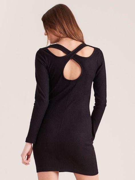 Czarna dopasowana sukienka w prążki z ozdobnym tyłem                              zdj.                              2