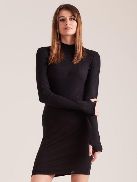 Czarna dopasowana sukienka z półgolfem                              zdj.                              1