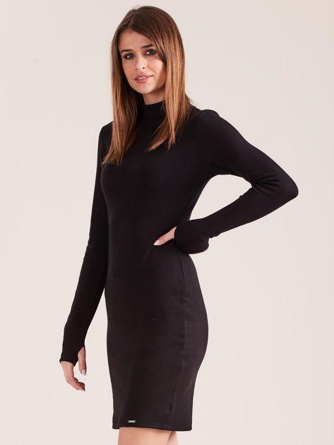 Czarna dopasowana sukienka z półgolfem                              zdj.                              3