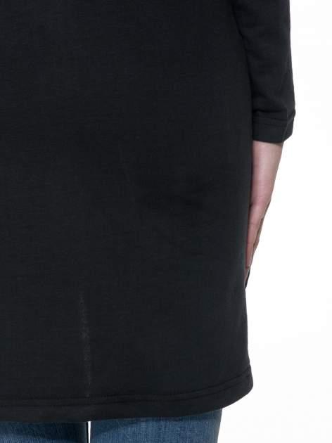 Czarna dresowa bluza z literą A w stylu baseballowym                                  zdj.                                  9