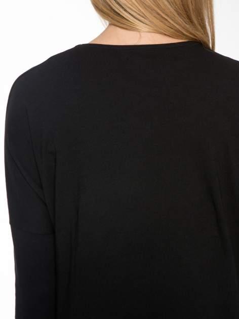 Czarna dresowa sukienka z nietoperzowymi rękawami                                  zdj.                                  7