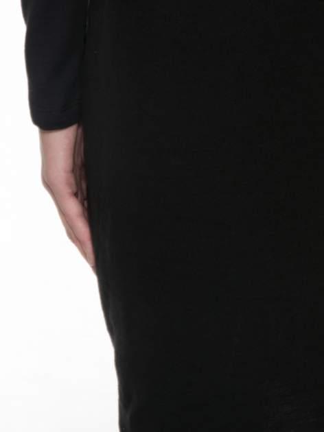 Czarna dresowa sukienka z nietoperzowymi rękawami                                  zdj.                                  8