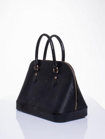 Czarna fakturowana torba gumowa kuferek z rączką                                  zdj.                                  2