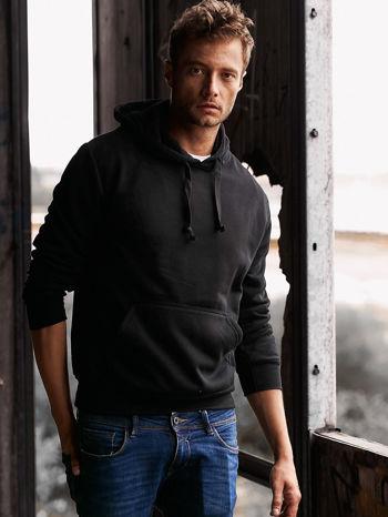 Czarna gładka bluza męska z kieszeniami i kapturem