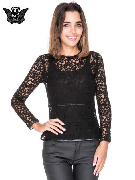 Czarna koronkowa bluzka z baskinką                                  zdj.                                  1