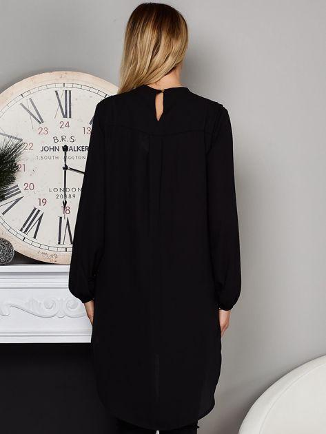 Czarna koszulowa tunika z koronką                              zdj.                              2