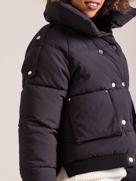 Czarna krótka kurtka puchowa                               zdj.                              8