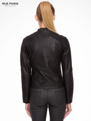 Czarna kurtka biker z przeszyciami na ramionach                                  zdj.                                  4