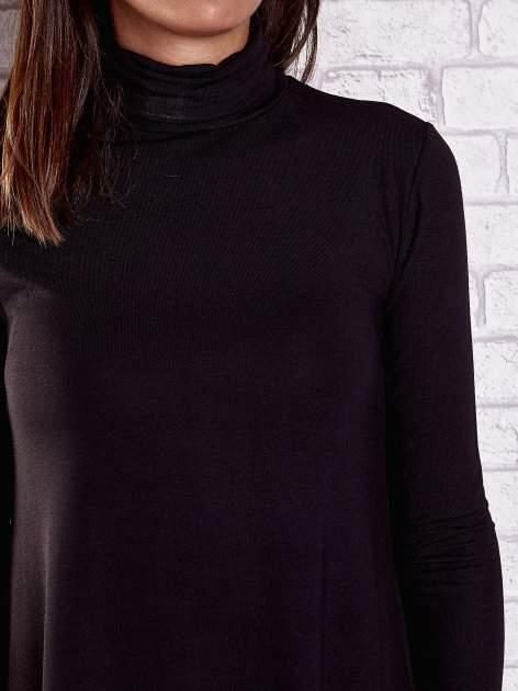 Czarna lejąca sukienka z golfem                                  zdj.                                  7