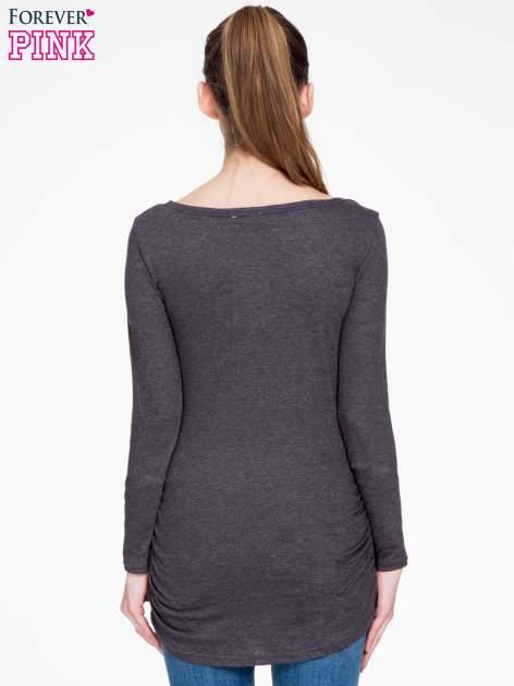 Czarna melanżowa bluzka tunika z marszczonym dołem                                  zdj.                                  4
