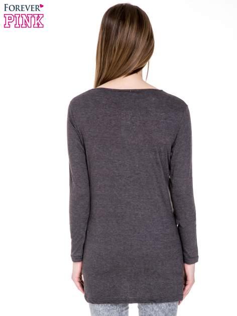 Czarna melanżowa bluzka z dłuższym tyłem                                  zdj.                                  4