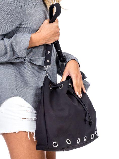 Czarna miękka torba ze ściągaczem                              zdj.                              2
