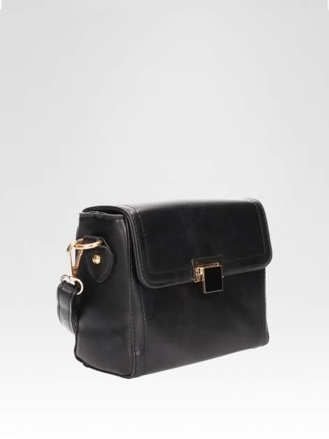 Czarna mini torebka listonoszka z klapką                                  zdj.                                  2