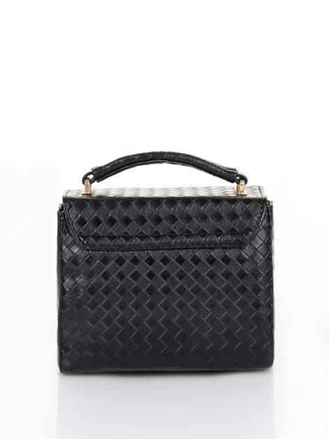 Czarna pikowana mini torebka kuferek w stylu retro                                  zdj.                                  4