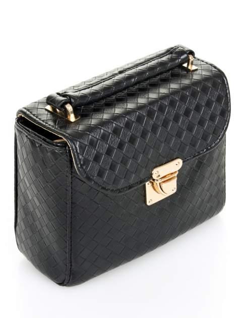 Czarna pikowana mini torebka kuferek w stylu retro                                  zdj.                                  6