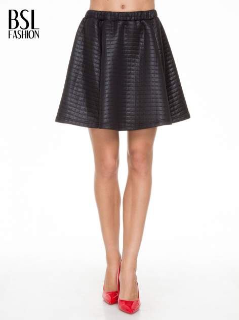 Czarna pikowana spódnica szyta z półkola                                  zdj.                                  1