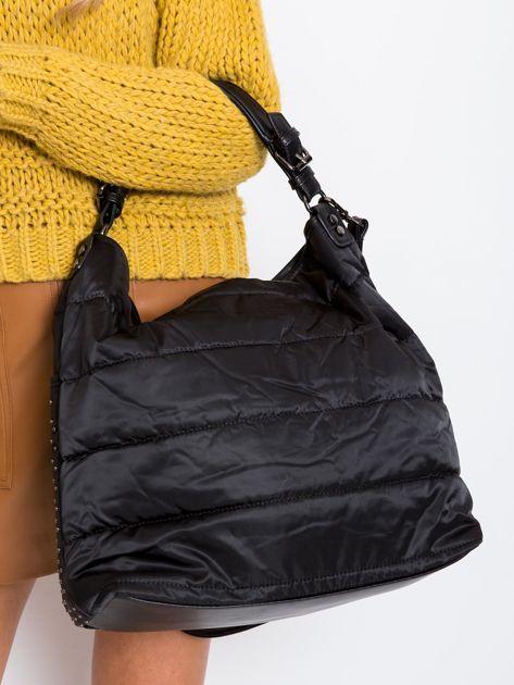 Czarna pikowana torba z ćwiekami                              zdj.                              3