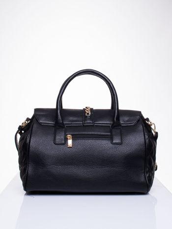 Czarna pikowana torba ze złotym łańcuchem                                  zdj.                                  2