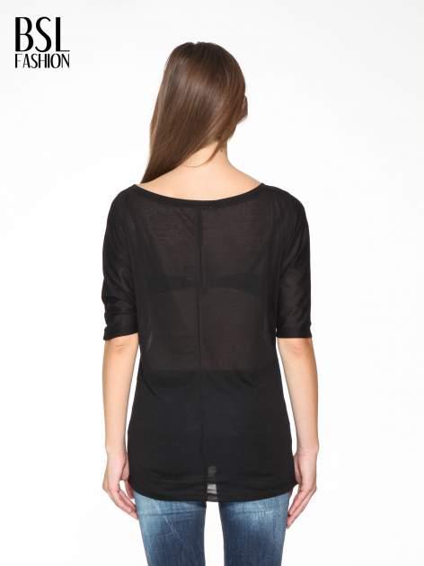Czarna półtransparentna bluzka z łódkowym dekoltem i rękawami 3/4                                  zdj.                                  4