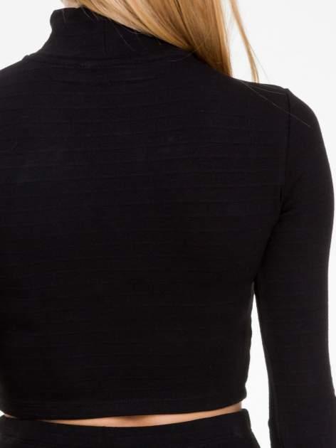 Czarna prążkowana bluzka cropped z golfem                                  zdj.                                  6