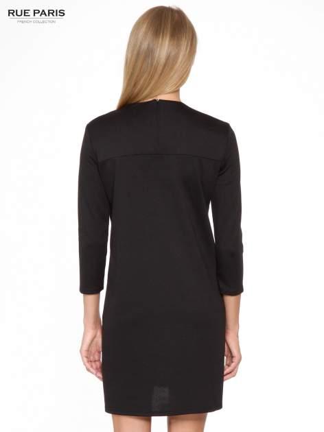 Czarna prosta sukienka z rękawami 3/4                                  zdj.                                  4
