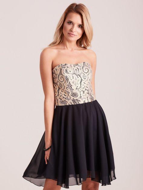 Czarna rozkloszowana sukienka z koronką                              zdj.                              1