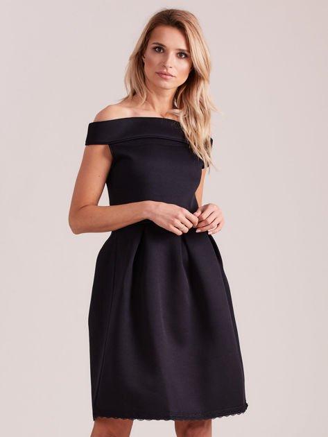 Czarna rozkloszowana sukienka z pianki                              zdj.                              1