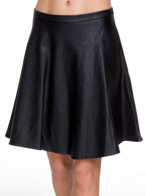 Czarna skórzana spódniczka przed kolano                                  zdj.                                  5