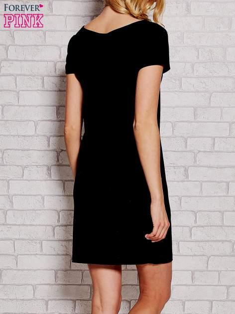 Czarna sukienka dresowa z kieszeniami                                  zdj.                                  4