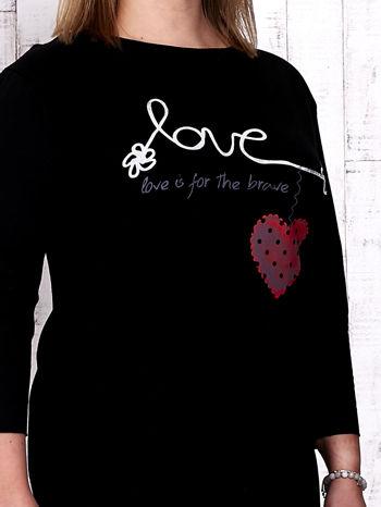 Czarna sukienka dresowa z napisem LOVE PLUS SIZE                                  zdj.                                  5