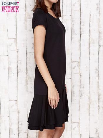 Czarna sukienka dresowa z ozdobną falbaną                                  zdj.                                  3
