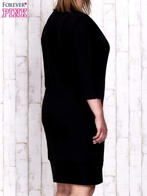 Czarna sukienka dresowa z sercem z dżetów PLUS SIZE                                  zdj.                                  4