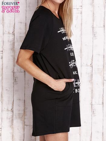 Czarna sukienka dresowa z silver printem                                  zdj.                                  3