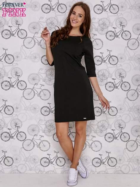 Czarna sukienka dresowa z suwakiem z tyłu                                  zdj.                                  2