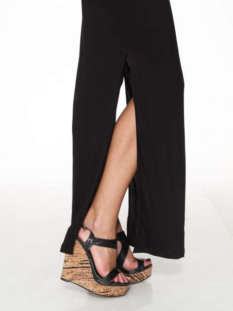 Czarna sukienka maxi na ramiączkach z koronkowym tyłem                                  zdj.                                  10