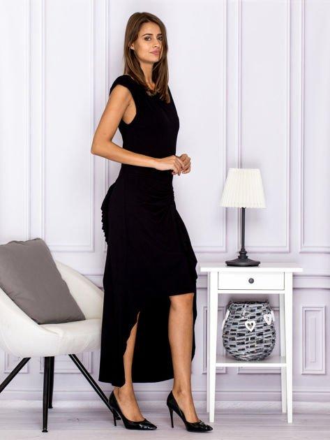 Czarna sukienka maxi z dłuższym tyłem                              zdj.                              3