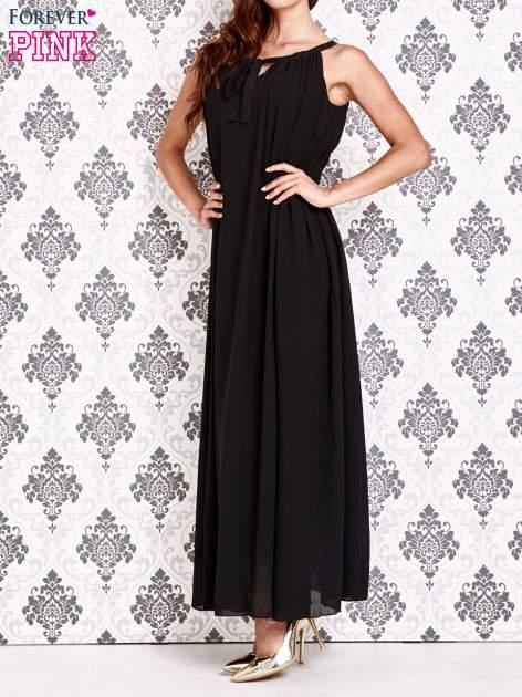 Czarna sukienka maxi z wiązaniem przy dekolcie                                  zdj.                                  6