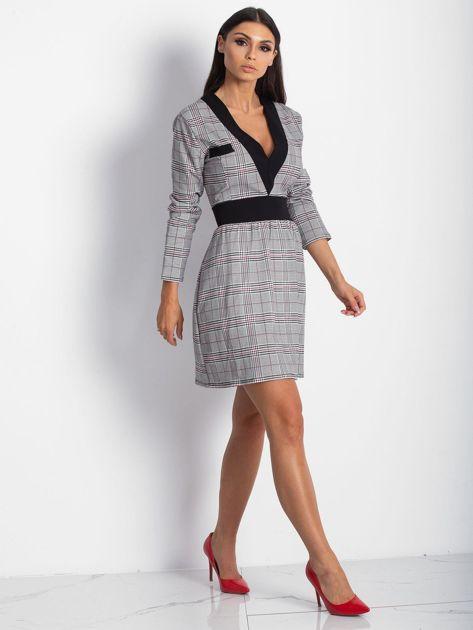 Czarna sukienka w kratę z dekoltem V-neck                              zdj.                              3