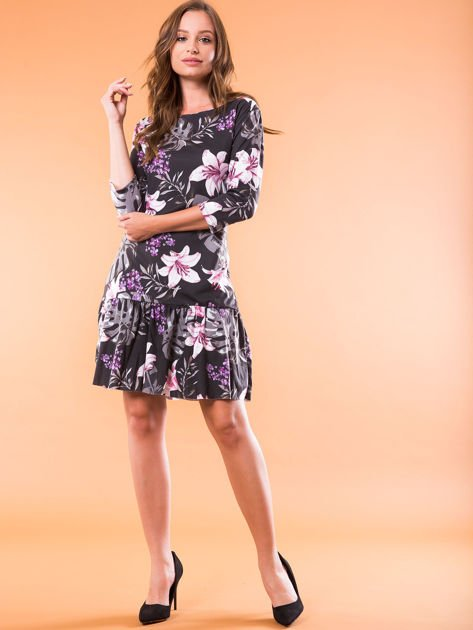 Czarna sukienka w kwiatowy wzór                              zdj.                              4