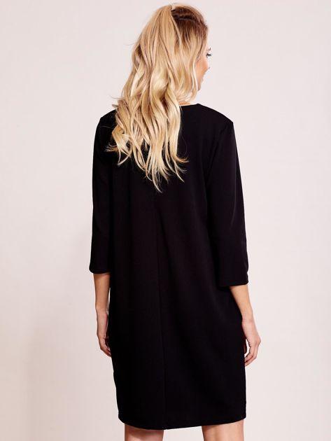 Czarna sukienka z biżuteryjnym dekoltem                               zdj.                              2