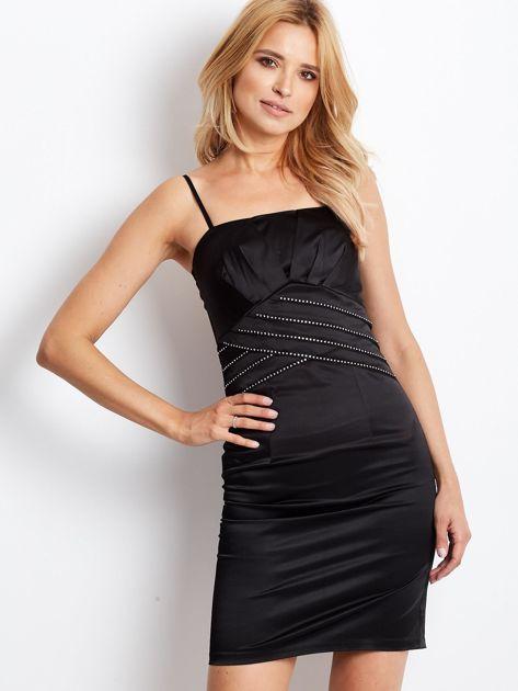 Czarna sukienka z błyszczącą aplikacją                              zdj.                              1