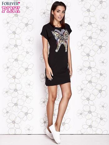 Czarna sukienka z cekinowym motylem                                  zdj.                                  2