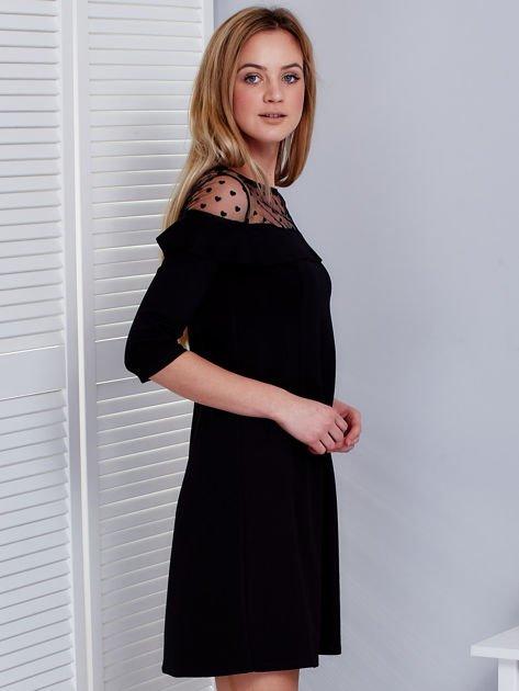 Czarna sukienka z dekoltem w groszki                              zdj.                              3