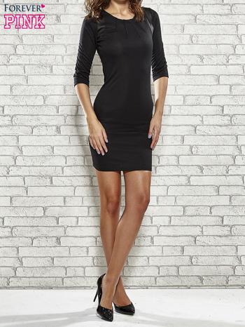 Czarna sukienka z marszczeniami przy dekolcie                                  zdj.                                  2